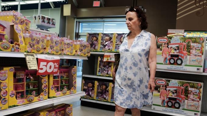 美國消費者信心指數優於預期 CIBC:聯準會寬鬆腳步恐受限(圖片:AFP)