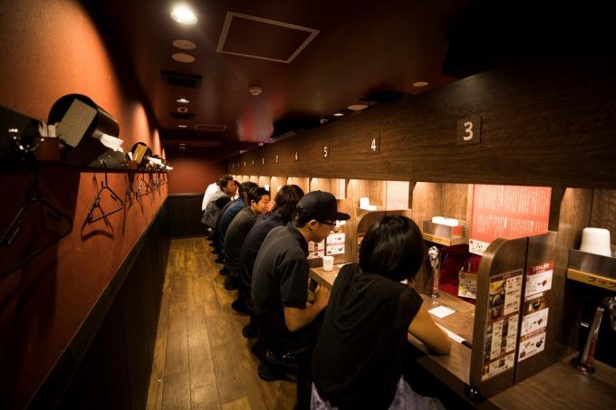 日本消費稅調漲在即 多家外食業者降價迎戰!(示意圖) (圖片:AFP)