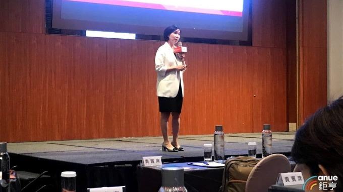 遠傳總經理井琪今日出席數位行動高峰會。(鉅亨網記者沈筱禎攝)