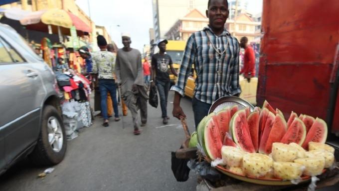 奈及利亞食品物價高漲 美元禁令恐將助長飆升更快。(圖:AFP)