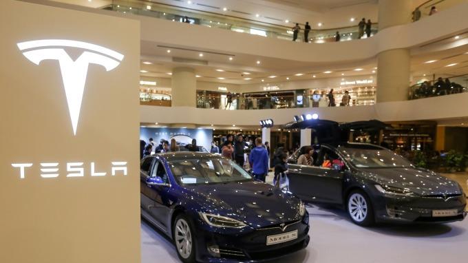 特斯拉獲中國豁免汽車購買稅10% ,盤前股價大漲。(圖片:AFP)