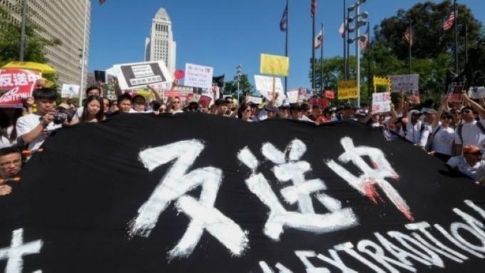 中國針對香港情勢發言的「轉軟」!但對一些訴求仍未讓步 (圖片:AFP)