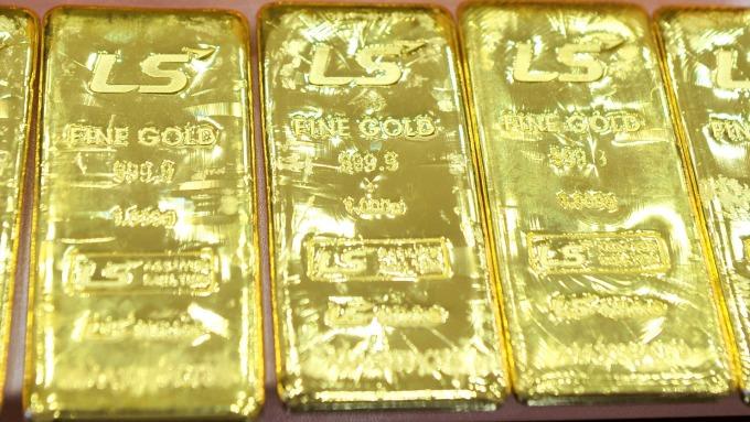 日本現貨黃金零售價格出現40年新高!日圓走弱影響大。(圖片:AFP)