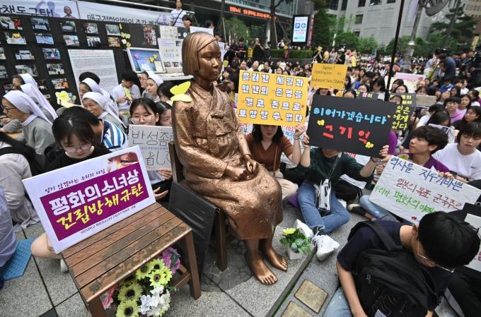 反日無止境!釜山市議會通過首宗「戰犯企業」條例。(資料照片) (圖片:AFP)