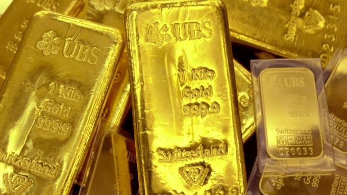 黃金跌至兩週新低位(圖片:AFP)