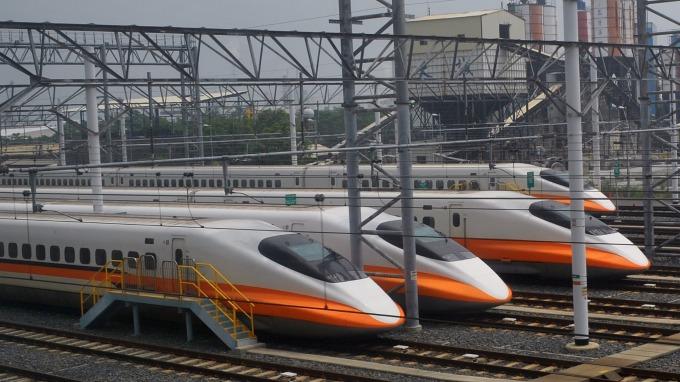 確定了!蘇揆視察屏東,正式宣布高鐵南延。(圖:AFP)