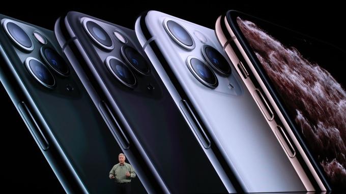 蘋果新機 iPhone 11 Pro Max 起價近4萬台幣,台灣列首發名單 9/13 預購開跑。(圖片:AFP)