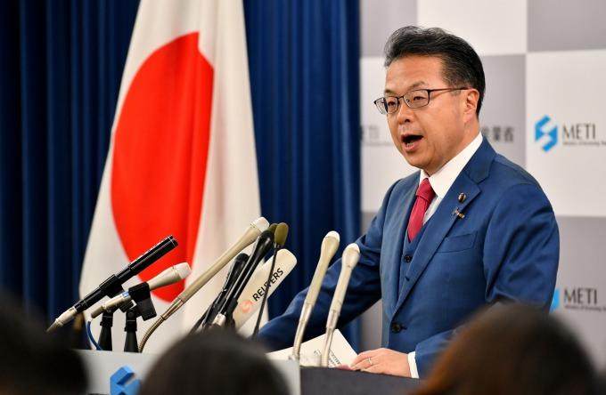 日本經濟產業大臣世耕弘成。(資料照片) (圖片:AFP)