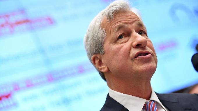 小摩執行長:正在為美國的負利率風險做準備(圖片:AFP)
