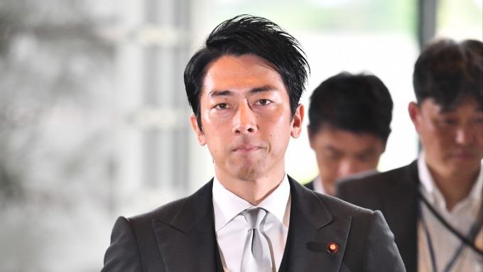 安倍內閣大幅改組、19名閣員中有17名異動。(環境大臣:小泉進次郎) (圖片:AFP)