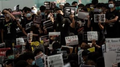 香港抗議活動進入第15週 「嚇退」九成中國遊客  (圖片:AFP)