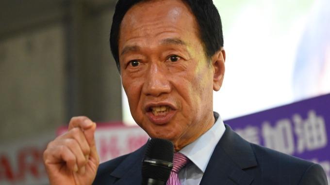 郭董投資的廣州面板廠 除尋求新投資者外、還面臨量產暫停  圖片:AFP