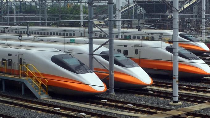 紓解中秋節人潮 台灣高鐵今、明加開3班全車自由座列車。(圖:AFP)