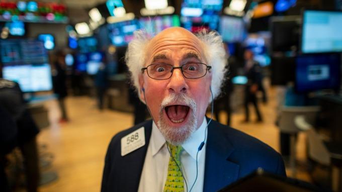 美股盤後 — 道瓊連七漲!川普延遲關稅上調日 歐洲央行降息。(圖片:AFP)