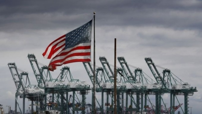 川普授權了!稱必要時將動用戰備儲油 (圖:AFP)