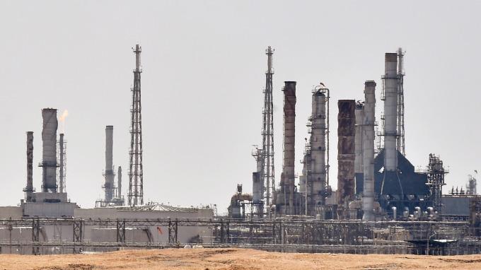 週末大事,十年來最嚴重的無人機攻擊沙特油田事件。(圖/AFP)