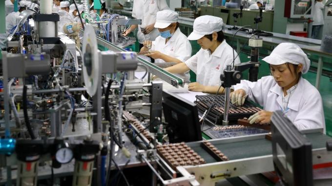 無薪假人數減少307人,金屬機電工業景氣仍未見回溫。(圖:AFP)