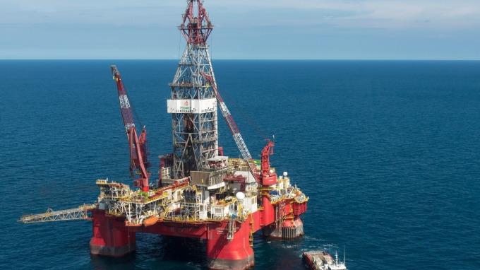分析師指出油價除非升至80美元 否則不會傷及股市(圖片:AFP)