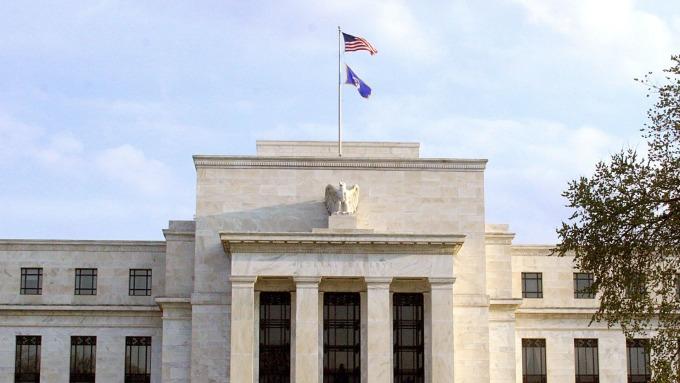 Fed上修今年GDP至2.2%