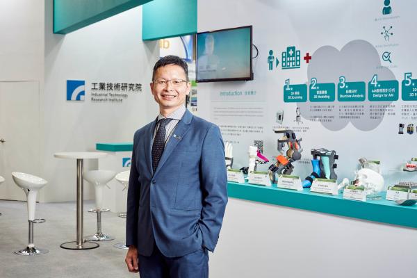 工研院生醫所所長林啟萬表示,台灣擁有很好的 ICT 產業優勢,加上醫療資源充沛、醫材產業發展相當快速,將有助於台灣生技醫療產業的發展。