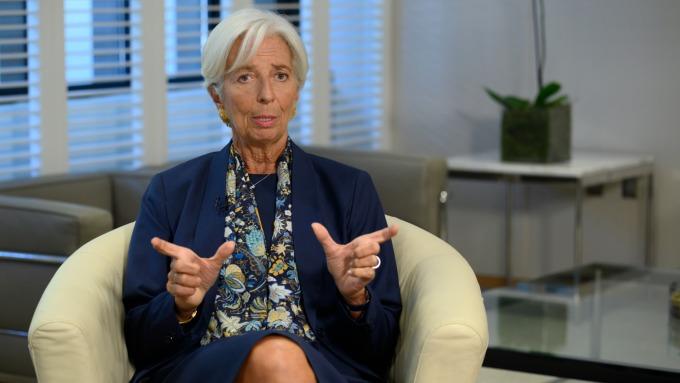 IMF前總裁Lagarde︰全球經濟成長「脆弱」且「面臨威脅」(圖片:AFP)