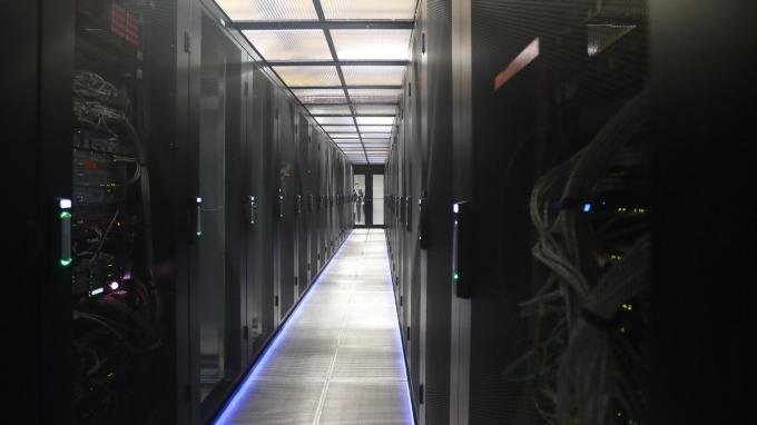 資料中心需求回溫,台系代工廠後市看俏。(圖:AFP)