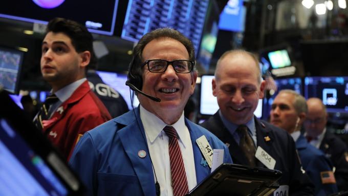 美股盤後 — 費半回暖道瓊漲逾 160 點 美中貿易協議或更早達成 。(圖片:AFP)