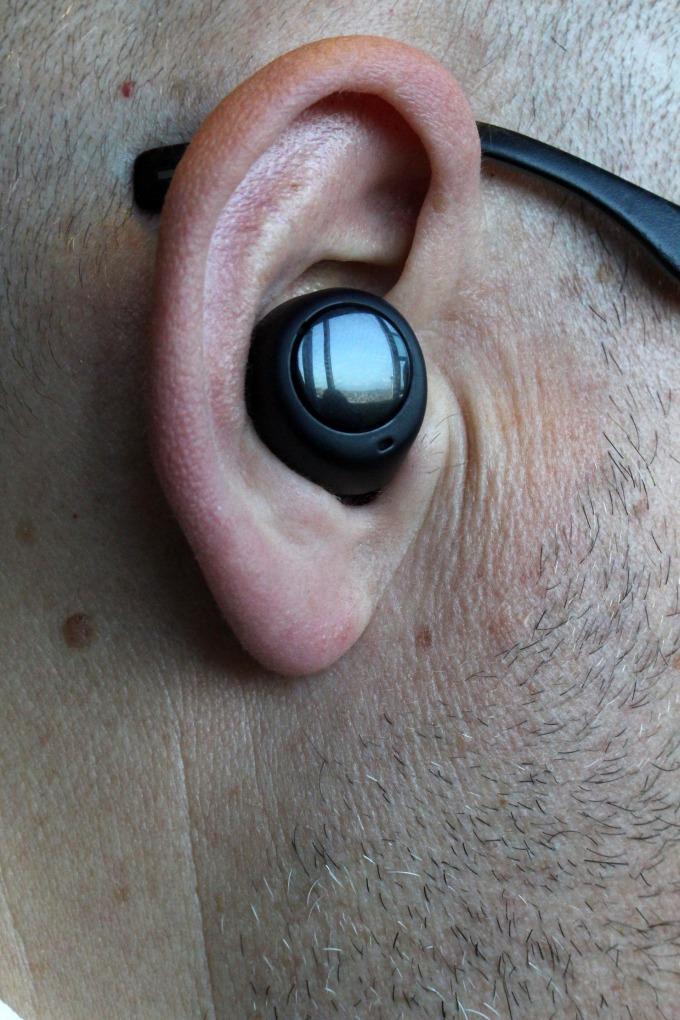 Echo earbuds 可與智慧手機同步(圖片:AFP)