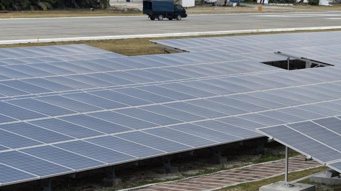 締新猷!9/2太陽光電貢獻電量5.8%,超過核電廠2部機組。(圖:AFP)