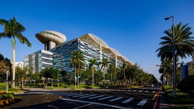 「新潤興業 鉑麗」鄰近華亞科技園區,就業人口龐大,無論自住或置產都適宜,吸引眾多科技新貴出手,甚至聯合公司同仁團購。