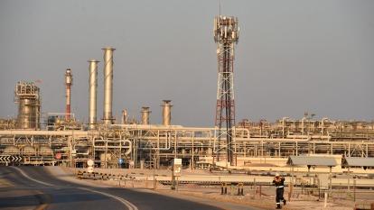 彭博:OPEC原油產量觸及16年低點 (圖:AFP)