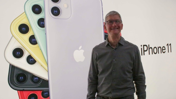 〈鉅亨看世界〉iPhone11開紅盤 蘋概股樂開懷!(圖片:AFP)