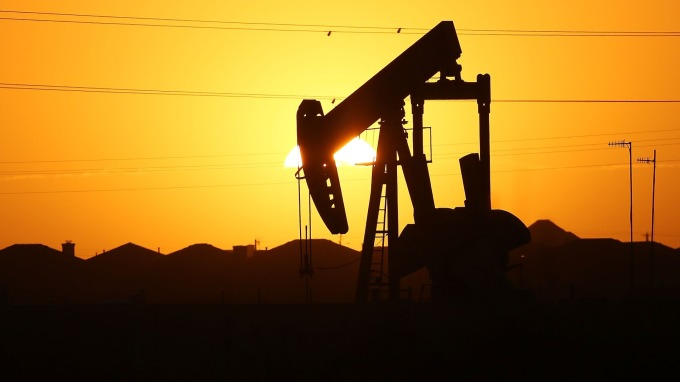 能源交易—非農報告支撐 美WTI止步連8跌 唯本週仍挫5%(圖片:AFP)