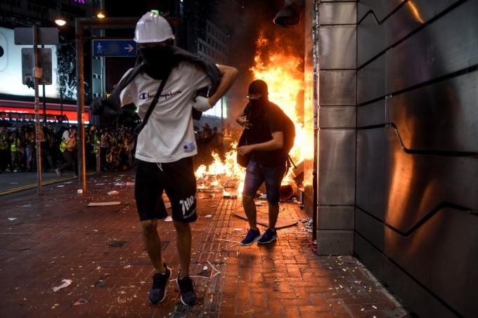 香港歷經不平靜的一夜。(圖:AFP)