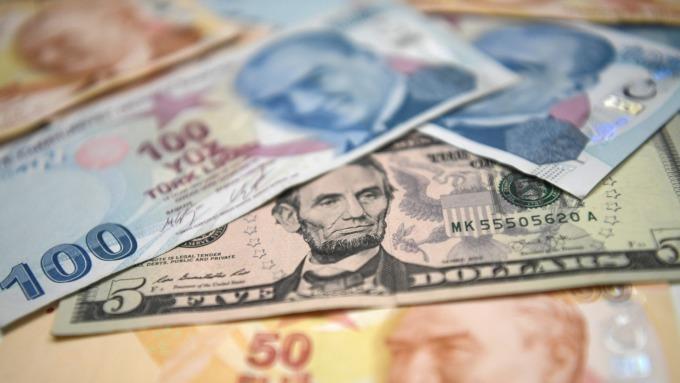 土耳其里拉跌幅續擴大 市場關注總統艾爾段後續行動  (圖片:AFP)