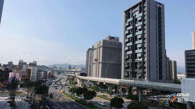 全台都會區房市交易多偏愛住宅大樓,只有台南以透天厝為主。(鉅亨網記者張欽發攝)