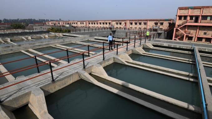 水很便宜 但與水相關個股今年走勢「水漲船高」(圖:AFP)