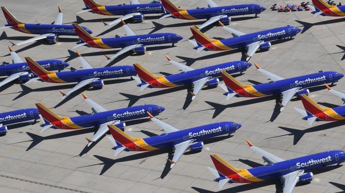 波音737 Max停飛進入第8個月 航空業者成本負擔不斷加重(圖:AFP)