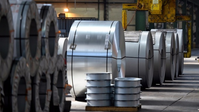 WSA估明年全球用鋼需求將年增1.7%,但有下調風險。(示意圖:AFP)
