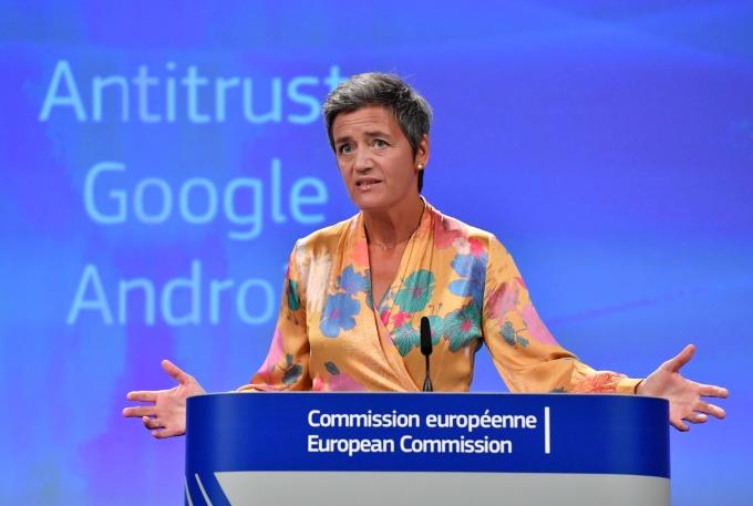歐盟反壟斷調查專員 Margrethe Vestager 正著手調查蘋果行動支付 (圖片: AFP)