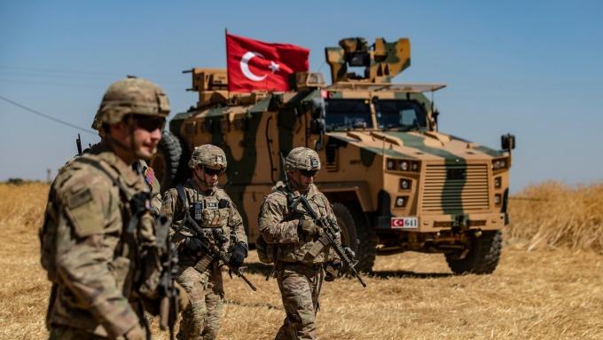 土耳其揚言祭報復性制裁,美方急赴談判。(圖片:AFP)