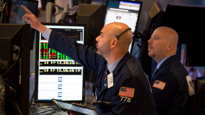 Q3財報週  分析師最看好微軟、臉書等股票(圖片:AFP)