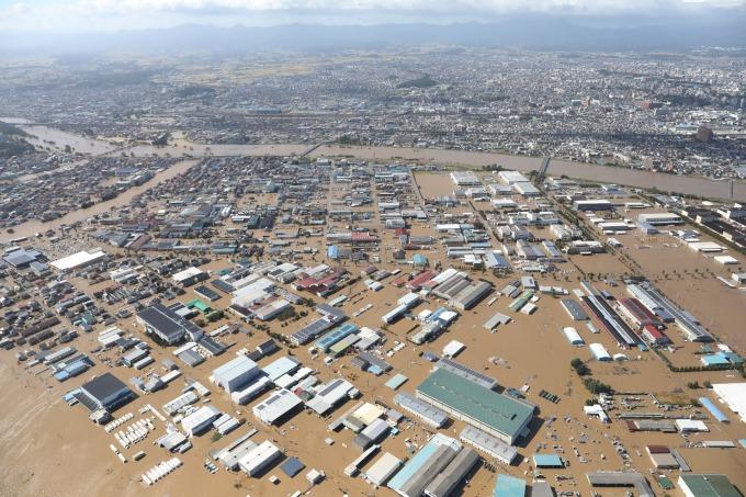 19 號颱風哈吉貝重創日本。(圖片:AFP)