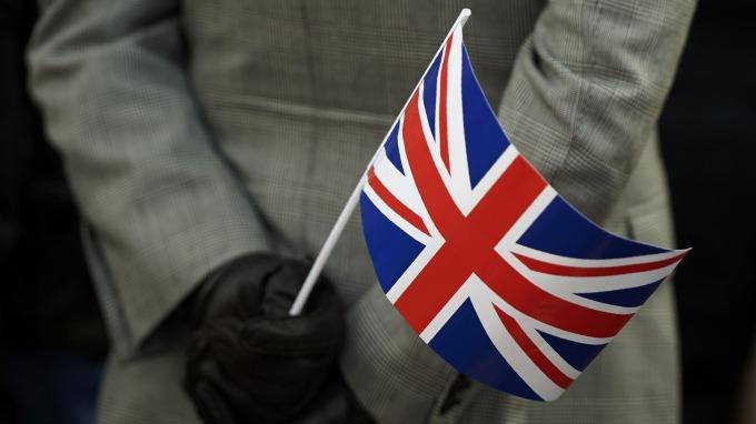 英國國會通過「致命」修正案 強生須依法申請延遲脫歐。(圖片:AFP)