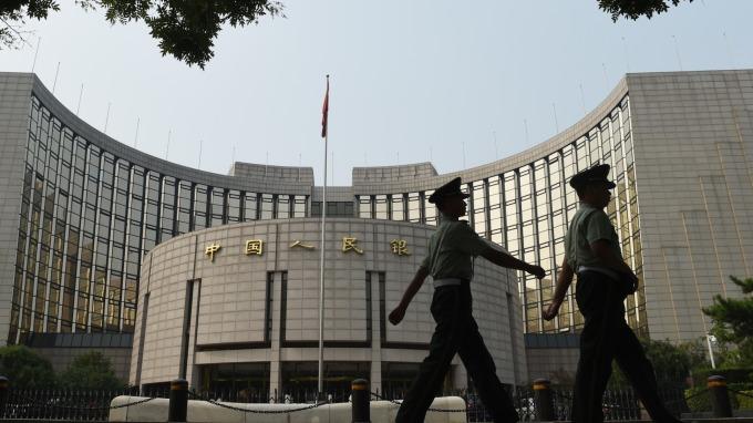 彭博:中國官方遲早放棄GDP保六 近期會議將著重長期政策(圖片:AFP)