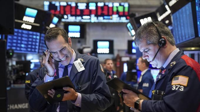 美股盤後 — 3 M財報扯道瓊後腿 萬機科林催動費半走高。(圖片:AFP)