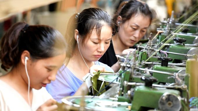 中國10月官方製造業PMI僅49.3 連續6個月處於收縮 (圖:AFP)