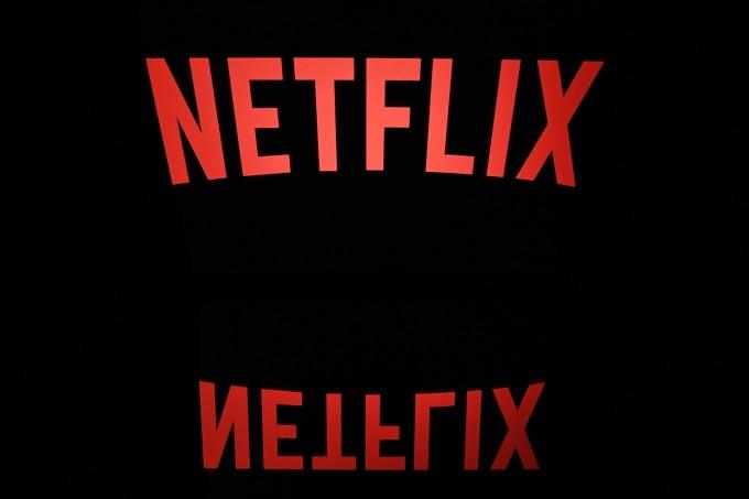 Netflix 市佔恐面臨強勁壓力,週五其股價下滑。(圖片:AFP)
