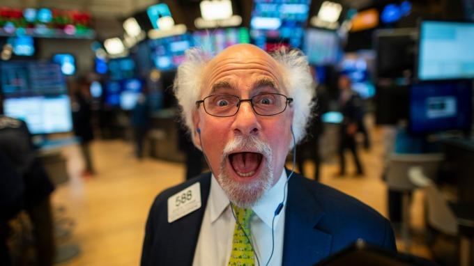 美股盤後 — 美10月非農遠優預期 那指標普雙刷歷史新高。(圖片:AFP)