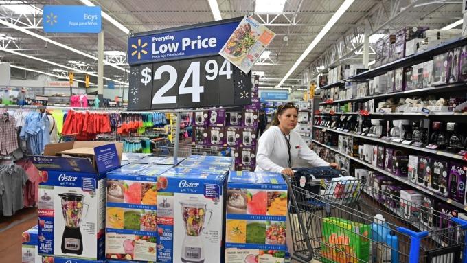 穆迪:價格戰電商投資將嚴重影響零售商獲利(圖:AFP)